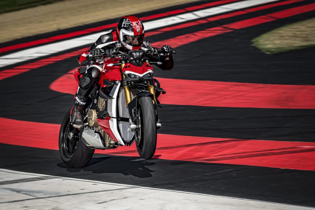 Марка Ducati обновила дилерскую сеть в России